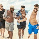 Mannequin grande taille homme sur la plage