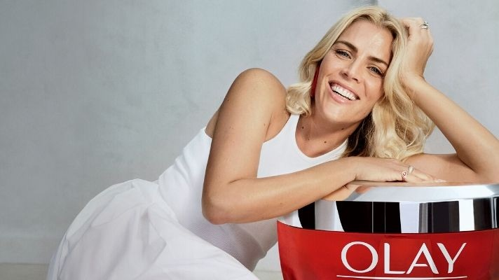 Busy Phillips pour Olay