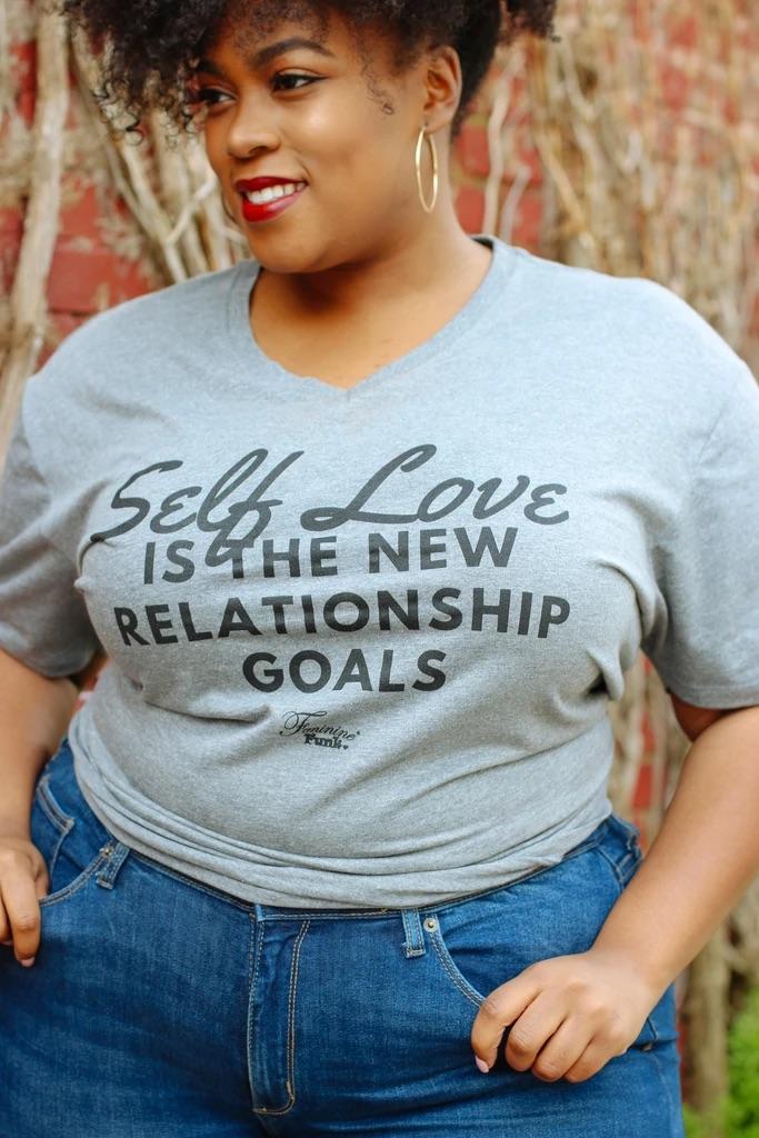 L'amour de soi c'est le nouveau but de relation - T-shirt grande taille à message