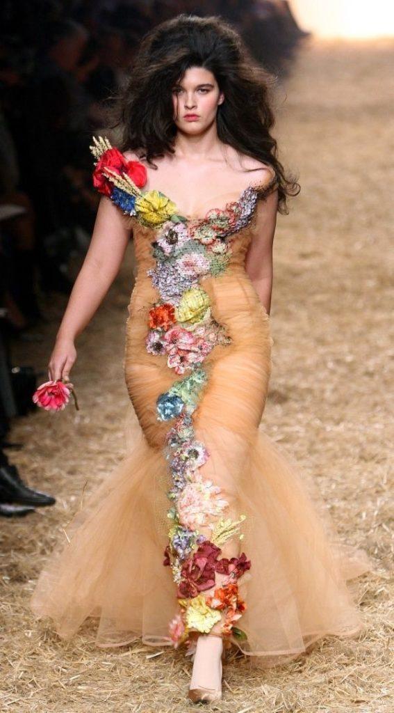 Crystal Renn en 2010 pour Chanel