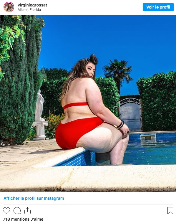 Virginie Grossat au bord de la piscine